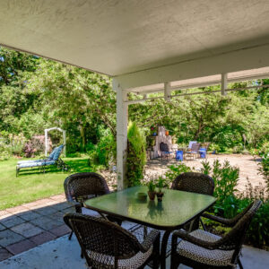 Creekside Cottage patio