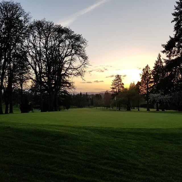 stunning sunset view at Corvallis Club